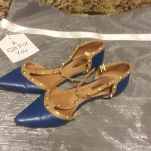 HALOGEN Flat Shoes